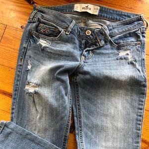 Hollister - Super Skinny Destroyed Jeans
